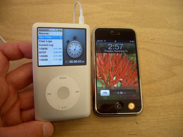iPod Classic a iPhone 2G - svetapple.sk