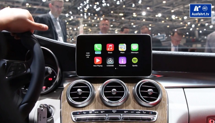 how-apple-carplay-works-on-the-new-c-class-w205-video-78071-7