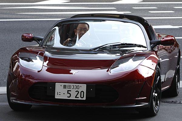 Tesla Roadster - svetapple.sk