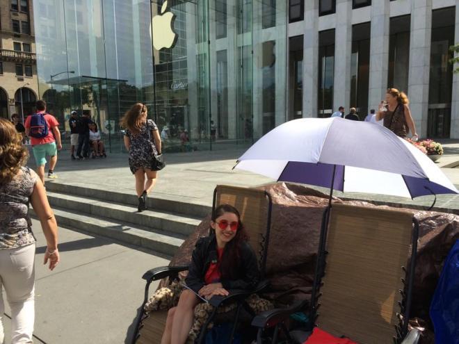 Apple-Store-fans-1