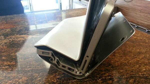 Bent-macbook-pro_zpsc9374b40
