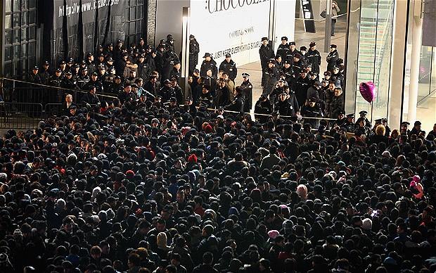 crowd_2107952b