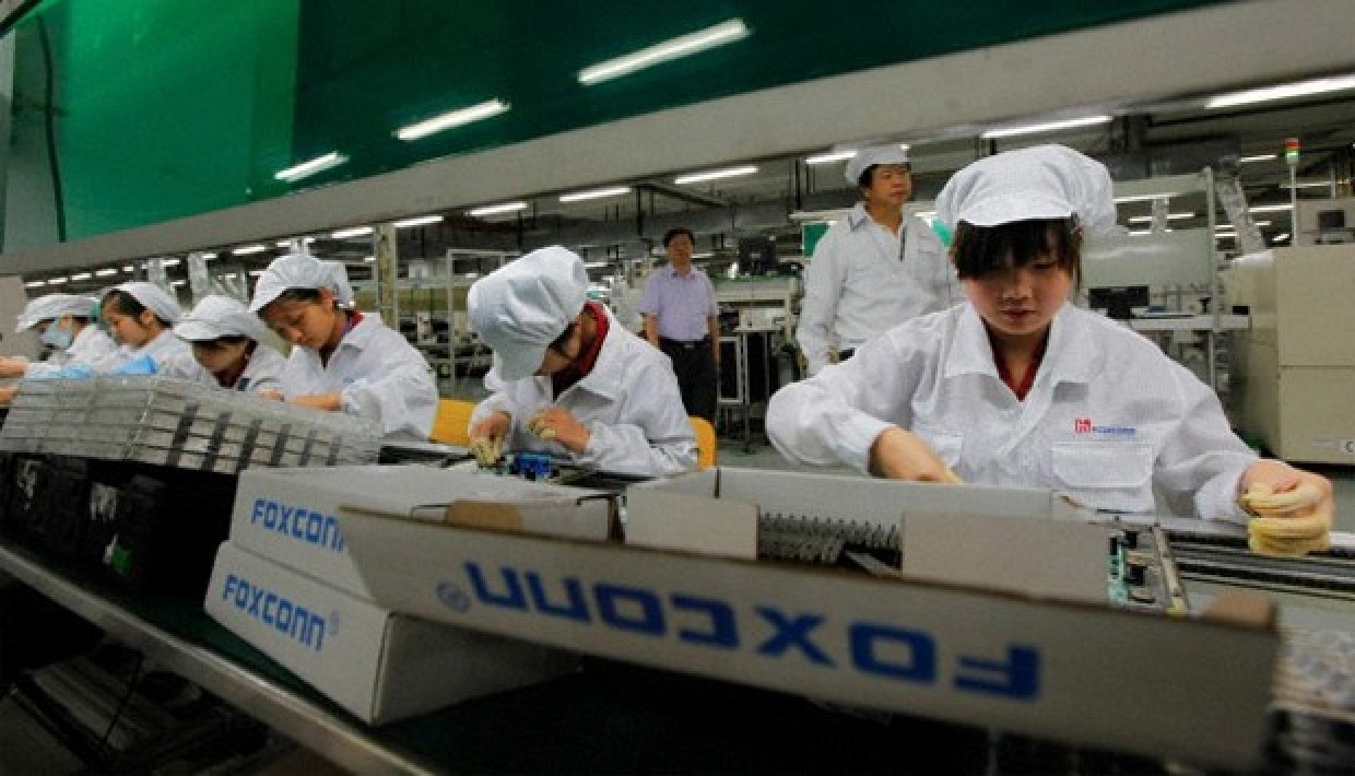 foxconn_workers_2