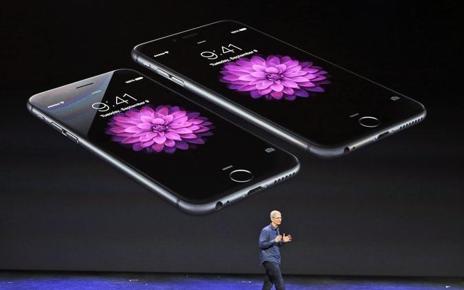 Tim Cook: iPhony 6 plus sa nestíhajú vyrábať