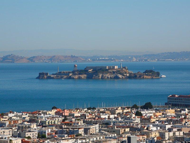 Výhľad na bývalé väzenie Alcatraz - svetapple.sk