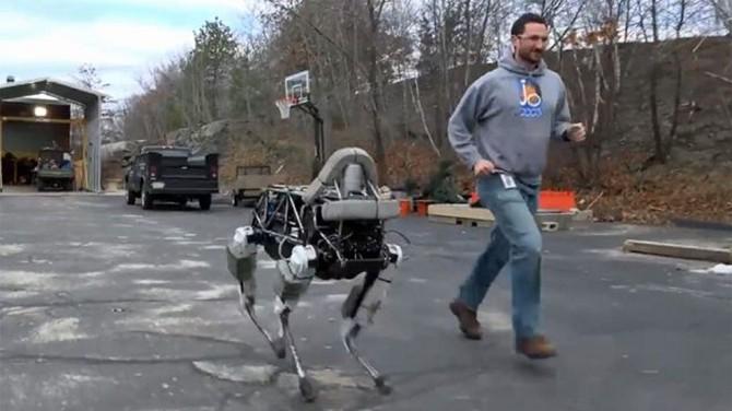 Chete si zabehať ale nemáte psa? Kúpte si robota!