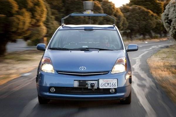 Toyota Prius Google - svetapple.sk