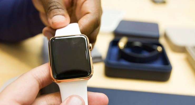 apple-watch-edition-plastic-strap