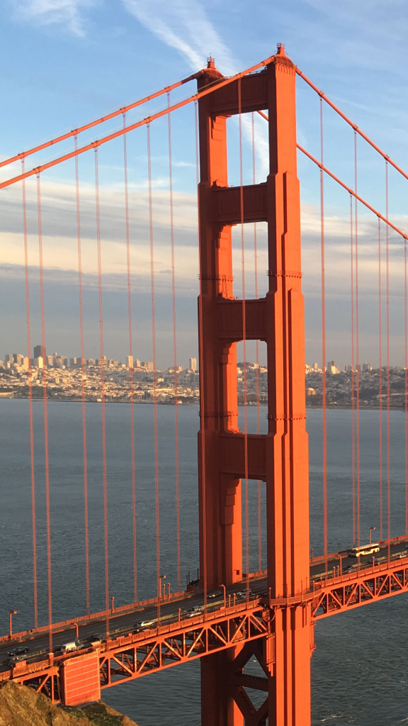 San-Francisco-Bridge-iPhone-SE-iPhone