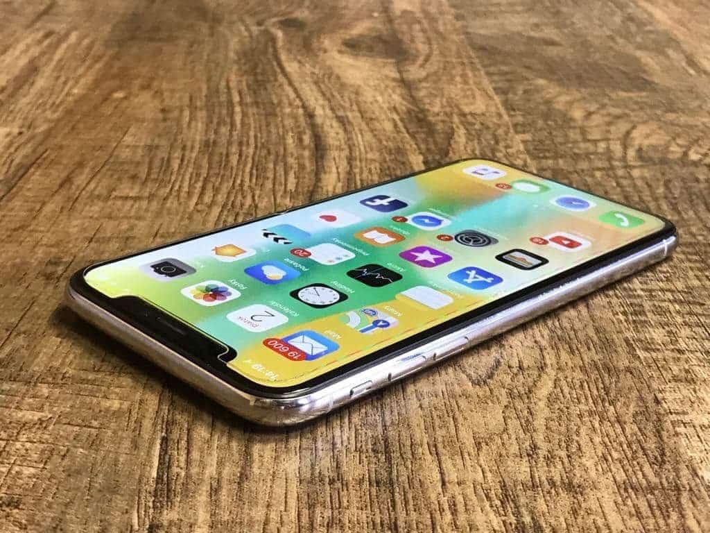 iPhone X po stránke ovládania perfektne funguje. Sú tu síce drobné nedostatky ale na tie si zvykneme! - svetapple.sk