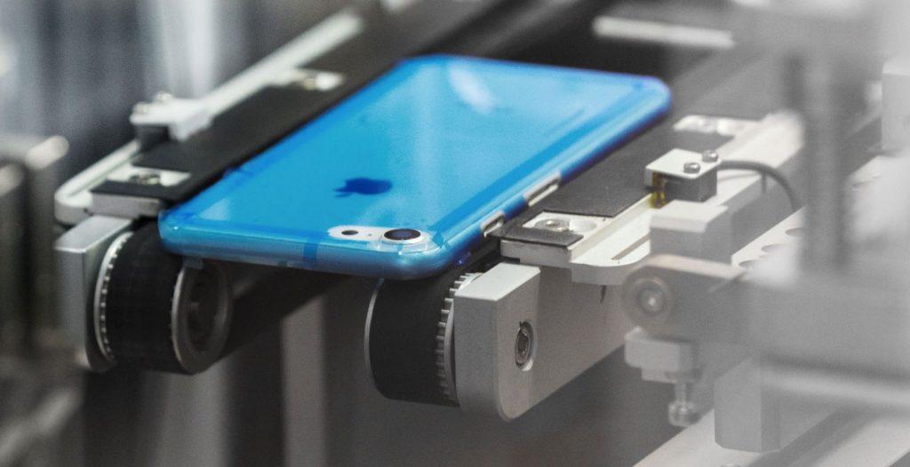 Študenti podvodom na Apple zarobili takmer milión dolárov. Reklamovali falošné iPhony. - svetapple.sk