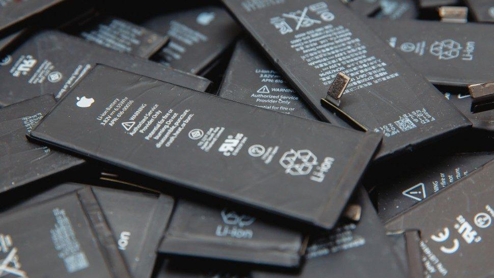Video ukazuje, prečo by ste si nikdy nemali meniť baterku sami a ani lacnom servise. - svetapple.sk