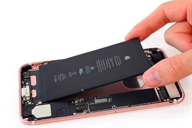 Apple a brutálna taktika ako odstaviť falošné batérie? Toto reálne hrozí. - svetapple.sk