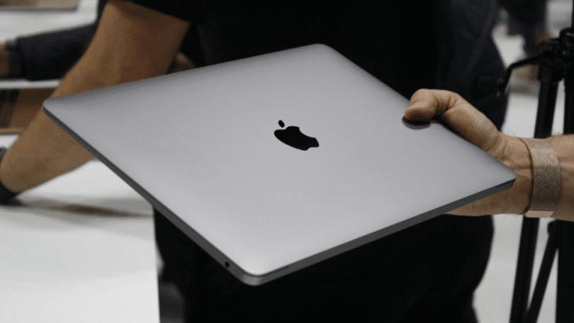 Microsoft si robí srandu z Apple. Reklama zosmiešňuje MacBook. - svetapple.sk