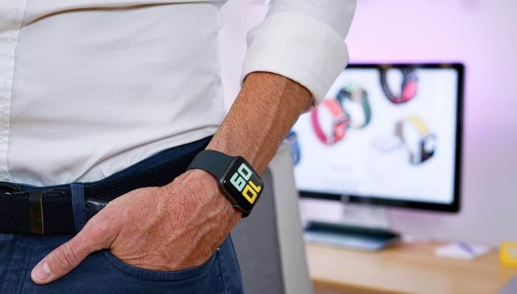 Petr Mára rozbaľuje Apple Watch Series 5. Aké sú jeho prvé pocity?