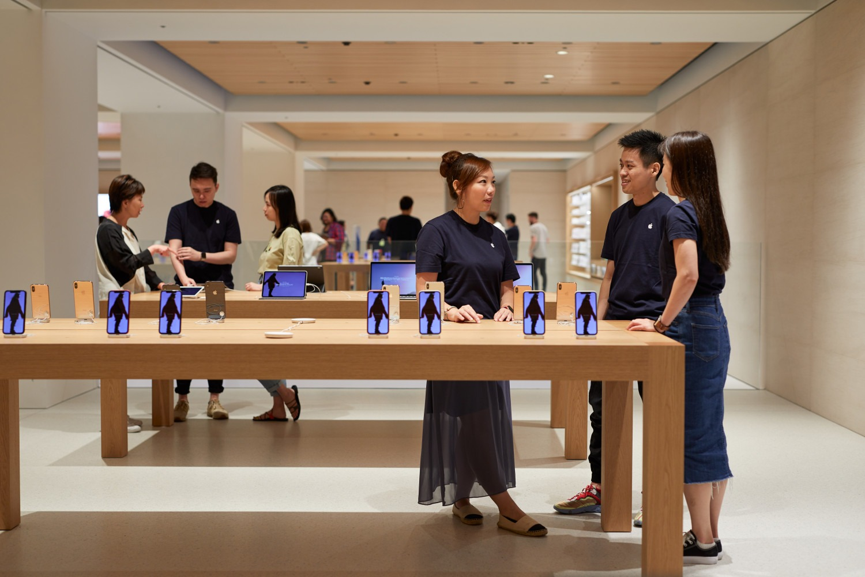 Pozrite si fotografie dokonalého Apple Store Tokyo. Dizajn je nádherný. - setapple.sk