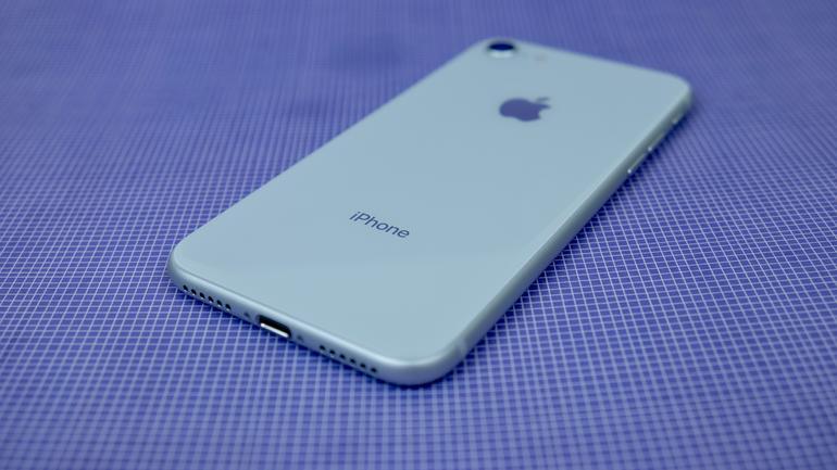 Prečo Apple potrebuje nástupcu za iPhone SE a iPhone 8 ? - svetapple.sk
