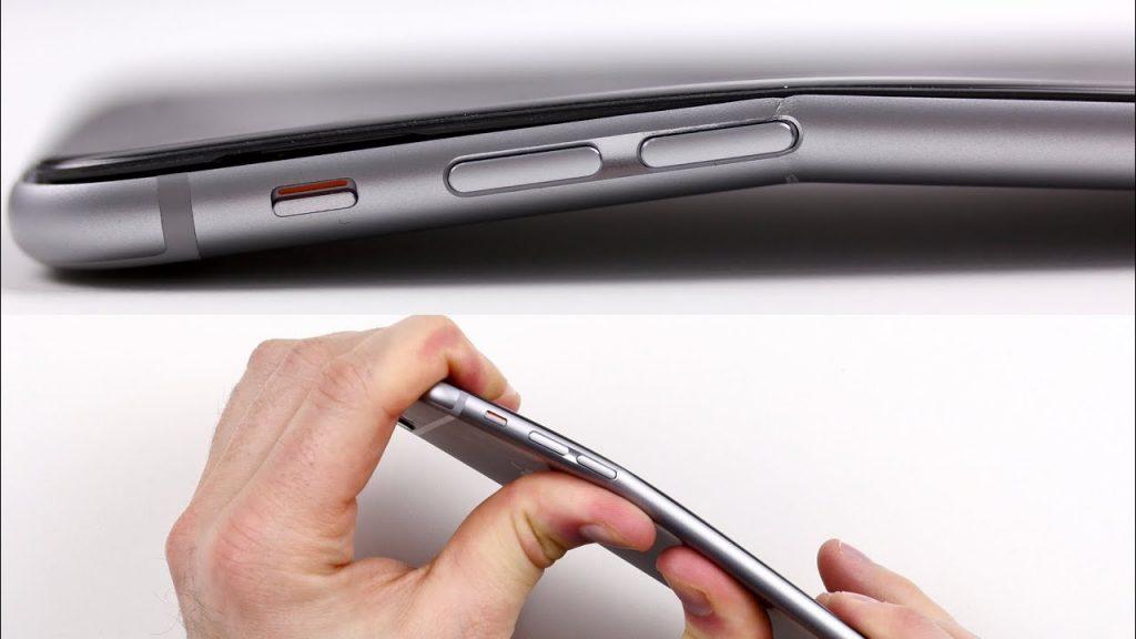 iPhone 11 Pro je hrubší ako jeho predchodca iPhone XS. - svetapple.sk