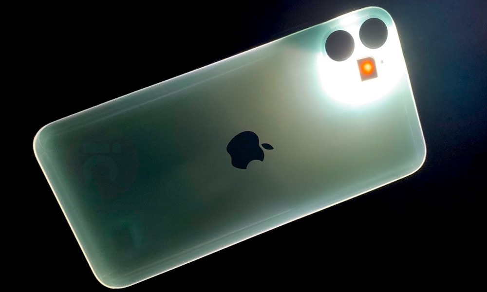 Takto môže žiariť iPhone 11 v tme. Môže za to konštrukcia zadnej strany zariadenia. - svetapple.sk