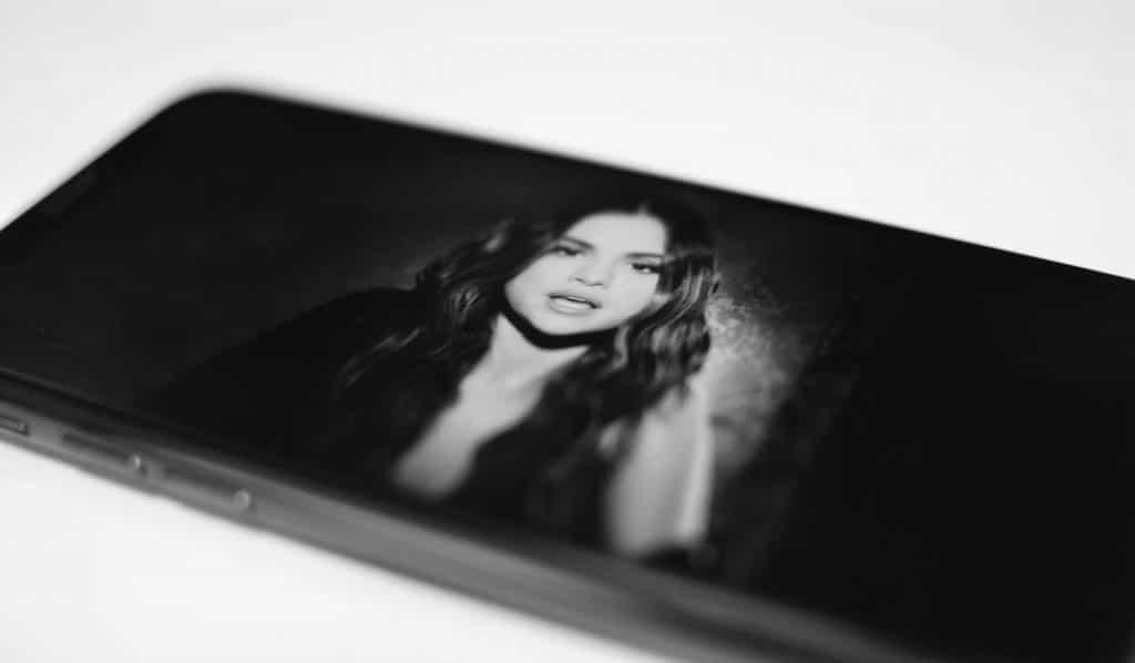 Selena Gomez má celý videoklip natočený na iPhone. Stoja za tím profesionáli.