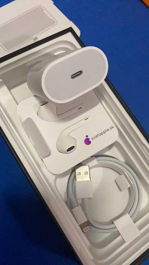 Toto našiel v balení iPhonu 11 Pro Max náš fanúšik. Ako je to vôbec možné? - svetapple.sk