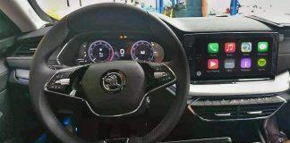 Nová Škoda Octavia prinesie podporu bezdrôtového CarPlay. Pozrite sa ako vyzerá jej infotainment.