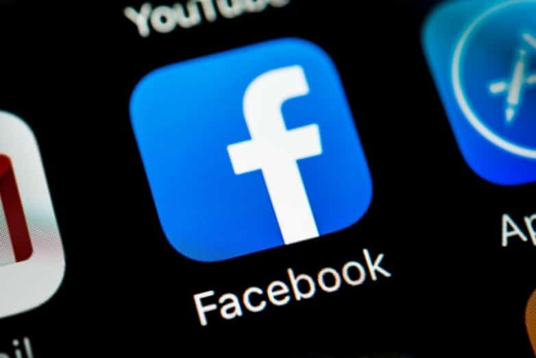 Facebook je bezpečnostnou hrozbou pre každého, kto ho má nainštalovaný v iOS!