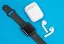 Návod: Ako zistiť stav batérie AirPods na hodinkách Apple Watch.
