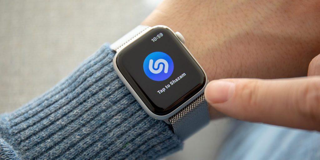 Návod: Ako pomocou Apple Watch zistiť aká pesnička hrá v rádiu?