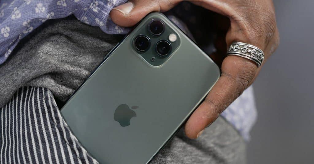 """iPhone urobil koncom 2019 tržby vo výške 56 miliárd dolárov. Pomohol model """"11/11 Pro""""."""