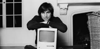 """Pred 36. rokmi Apple predstavilo revolúciu s názvom """"Macintosh""""."""