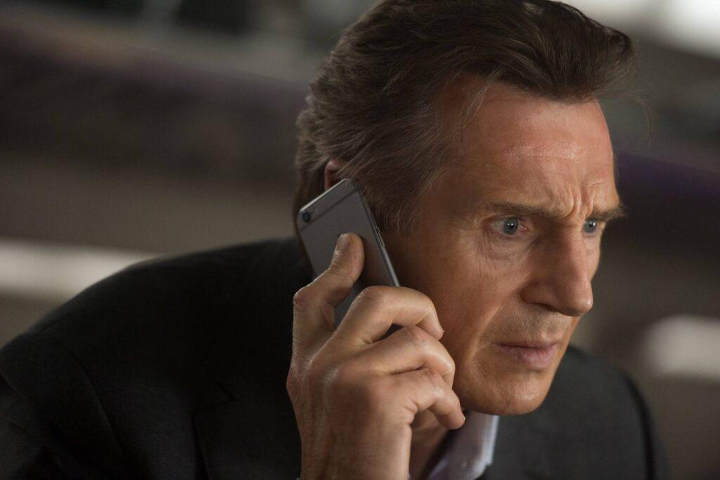 Ak vidíte vo filme iPhone, nikdy ho nepoužíva záporný hrdina. Je to podmienka.