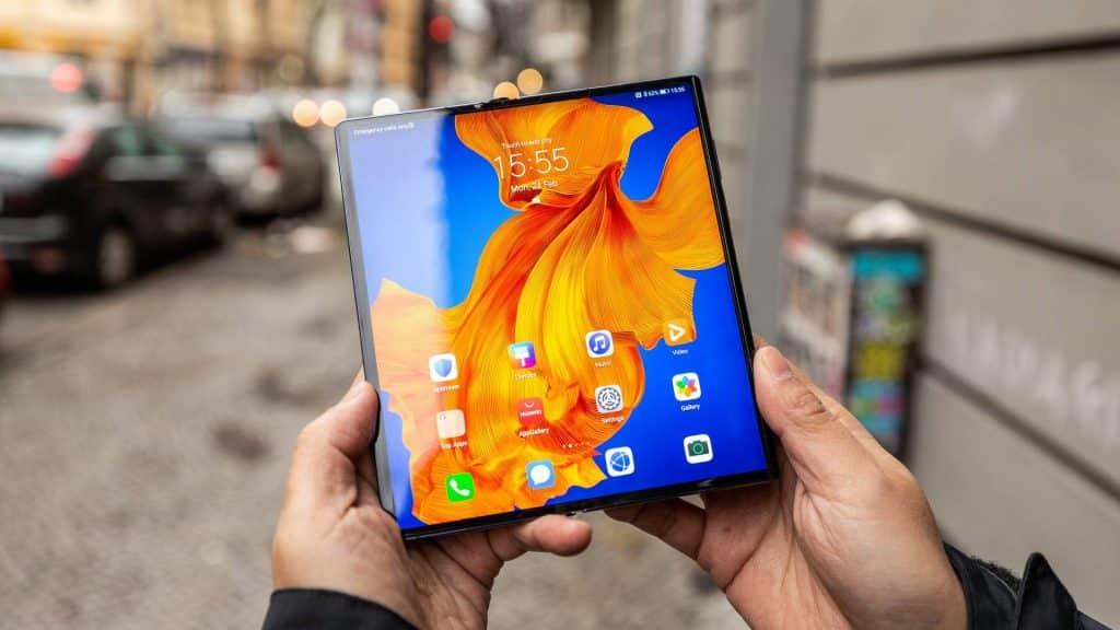 iPhone je drahý? Nový smartfón od Huawei stojí 2499€!