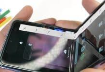 Rana pre ohybné displeje. Nový Samsung Galaxy Z Flip poškriabete nechtom.