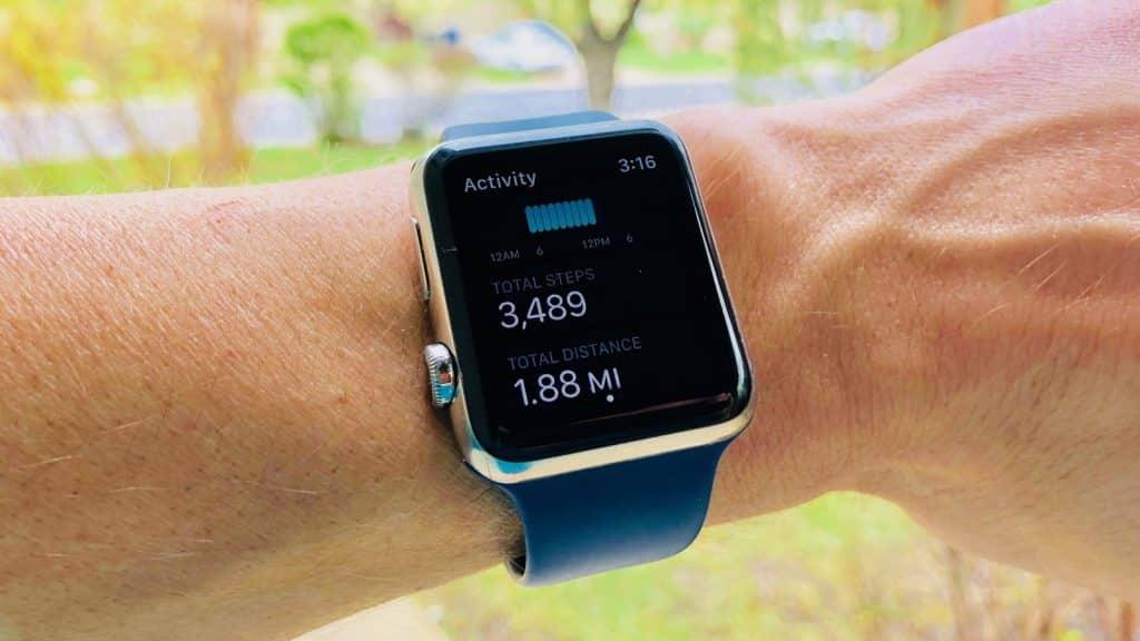 Návod: Ako na Apple Watch sledovať počet prejdených korkov?