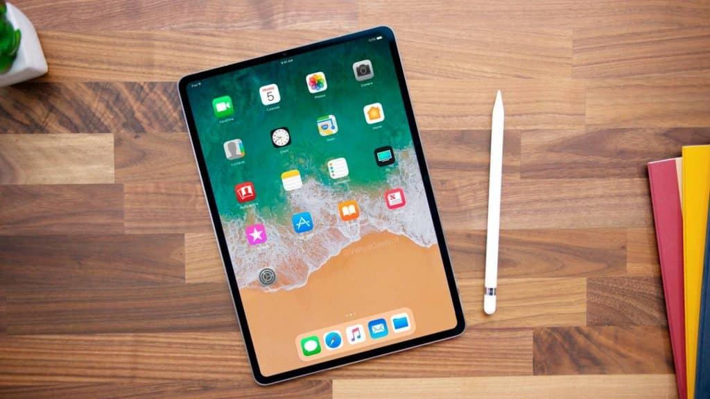 """Apple chystá 12"""" iPad Pro. Doraziť má s trojicou fotoaparátov a výkonným procesorom."""