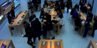 Zlodeji vykradli 2 Apple Store v priebehu 30 minút. Na druhý deň sa lúpež opakovala.