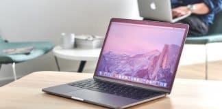 """Nový MacBook Pro 13"""" príde na budúci mesiac."""