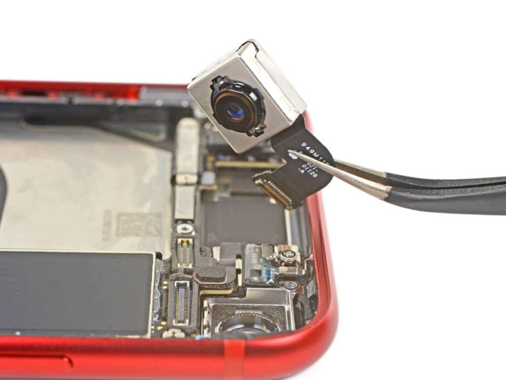 iPhone SE 2. generácie nemá rovnaký fotoaparát ako iPhone 8. Je to oficiálne.