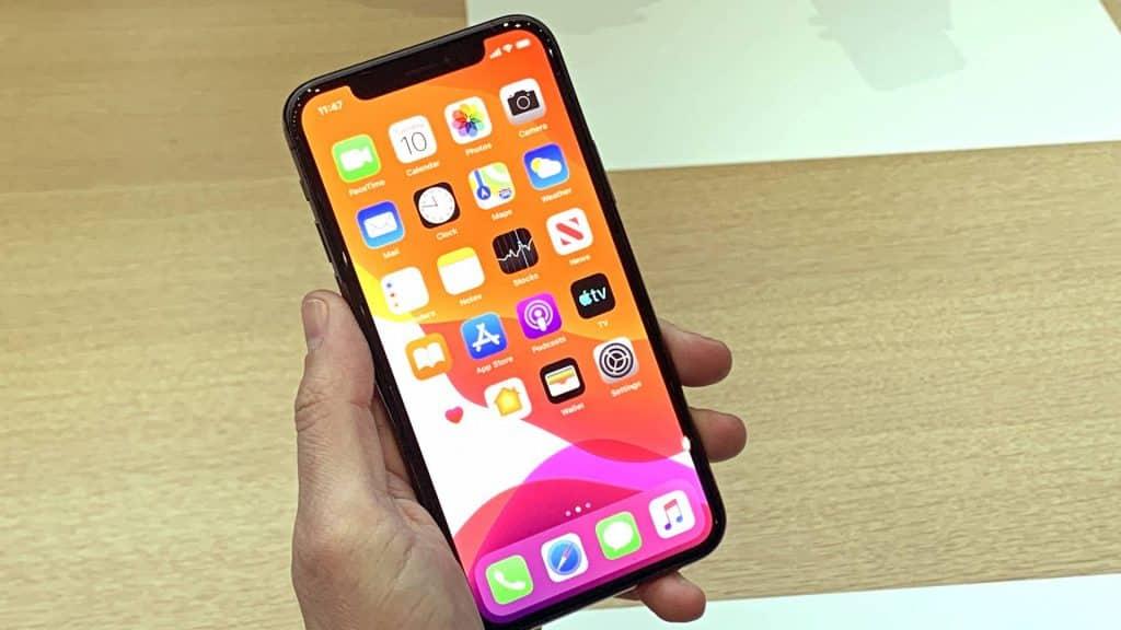 Najlepší mobil roku 2019. Pokiaľ si kúpite iPhone 11, určite vás nesklame.