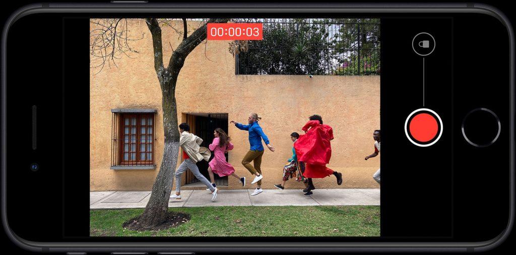 iOS 14 prináša QucikTake aj na iPhone XR a iPhone XS/XS Max!