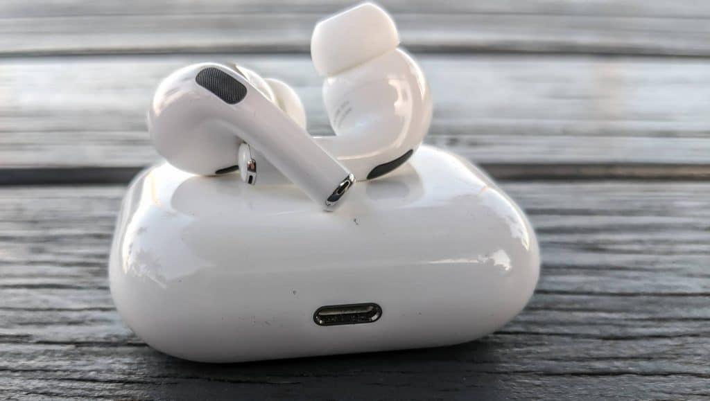 AirPods 3 budú podobné ako AirPods Pro. Vieme kedy prídu do predaja.