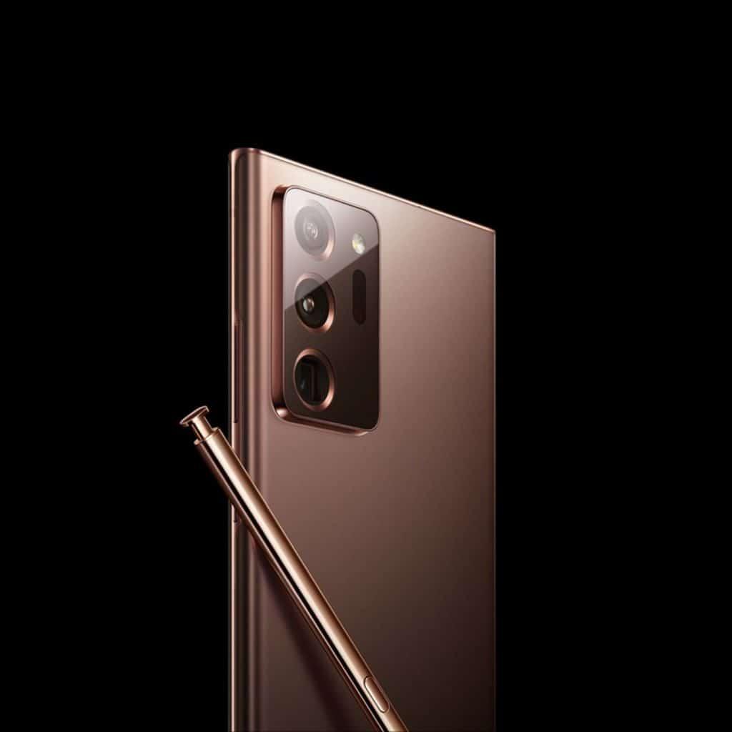 Samsung Galaxy Note 20 Ultra unikol na internet. Toto je úhlavný konkurent pre iPhone 12 Pro Max.