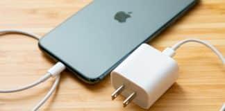 iPhone dodávaný s adaptérom len v jednom svetovom štáte