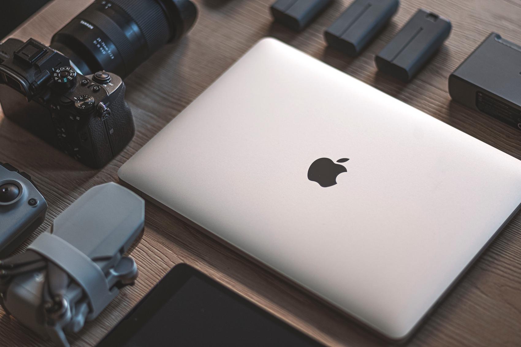 """MacBook Pro 13"""" (M1) očami náročného používateľa Windowsu. Je naozaj taký dobrý?"""