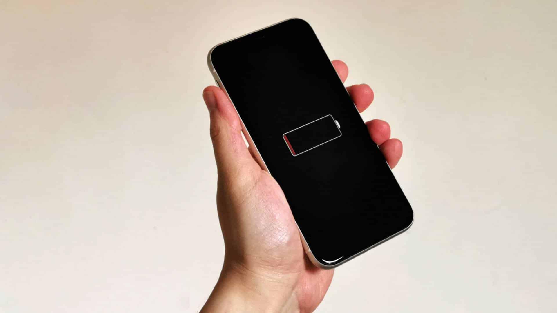 Porovnanie iOS 14.4 vs iOS 14.3 v teste výdrže batérie