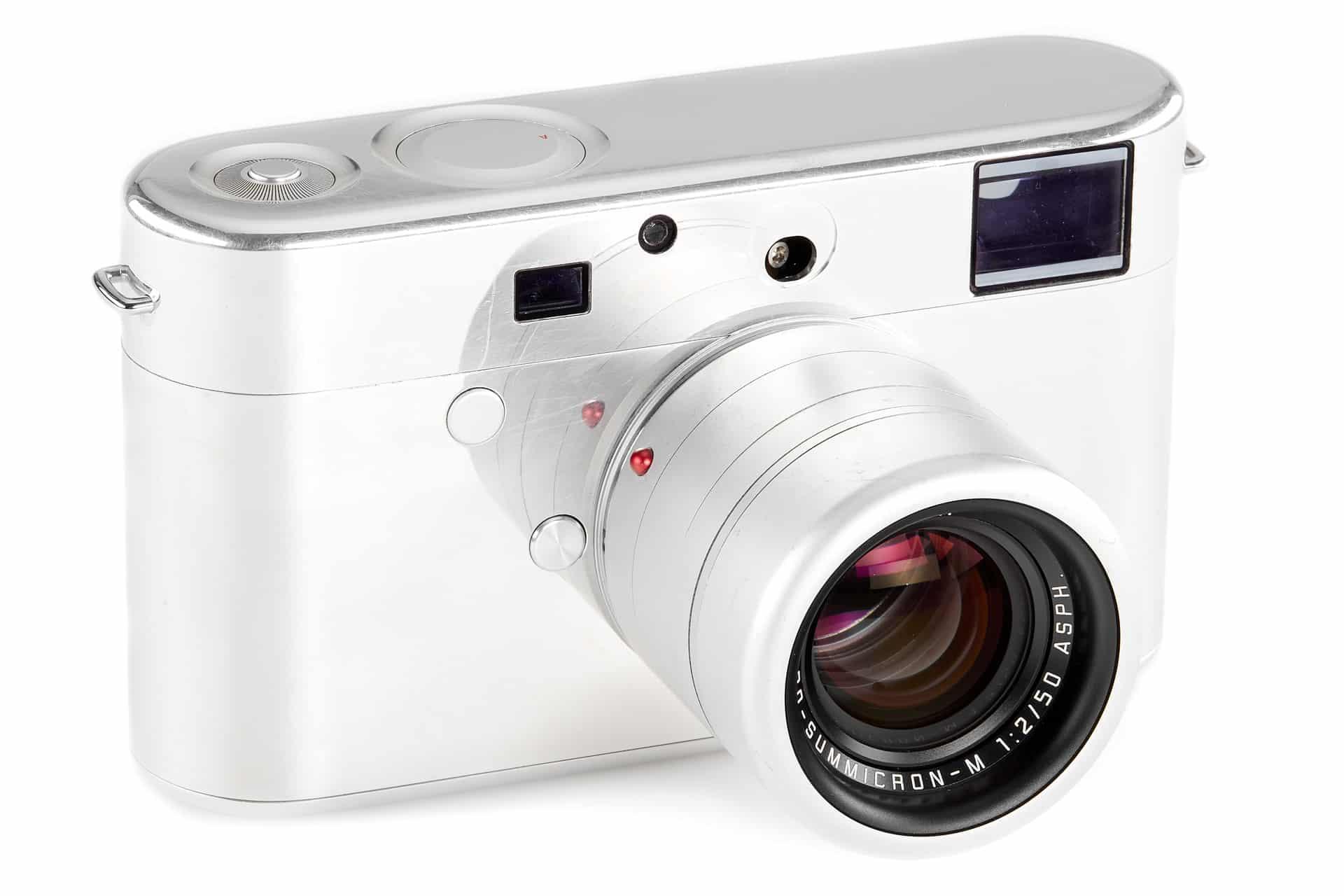 prototyp fotoaparátu Leica, ktorý navrhol Jony Ive a Mark Newson