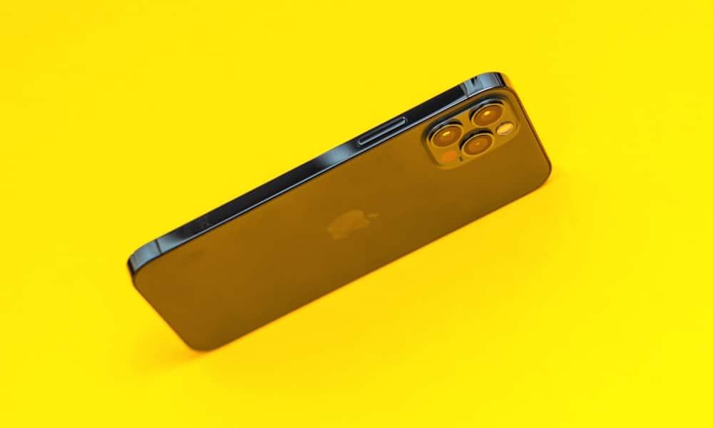 Tip: Vedeli ste o tom, že na iPhone môžete natáčať video a fotiť súčasne?