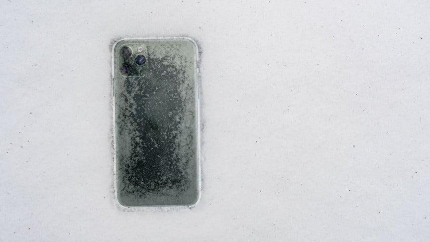 iPhone 11 Pro bol mesiac v zamrznutom jazere