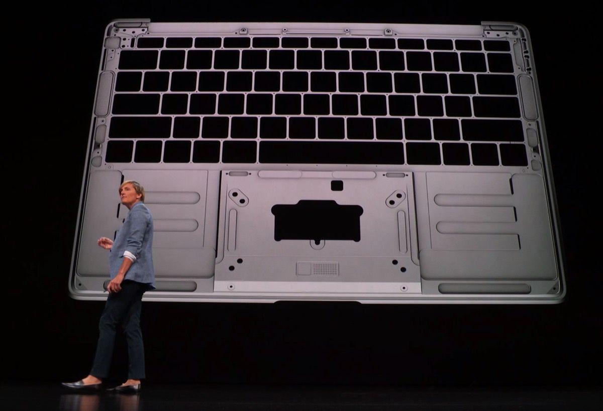 Váš MacBook je vyrobený z recyklovaných plechoviek od piva